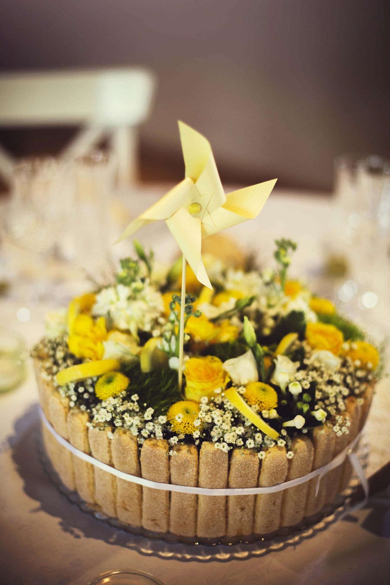 charlotte_citron_fleurs_jaune_champetre
