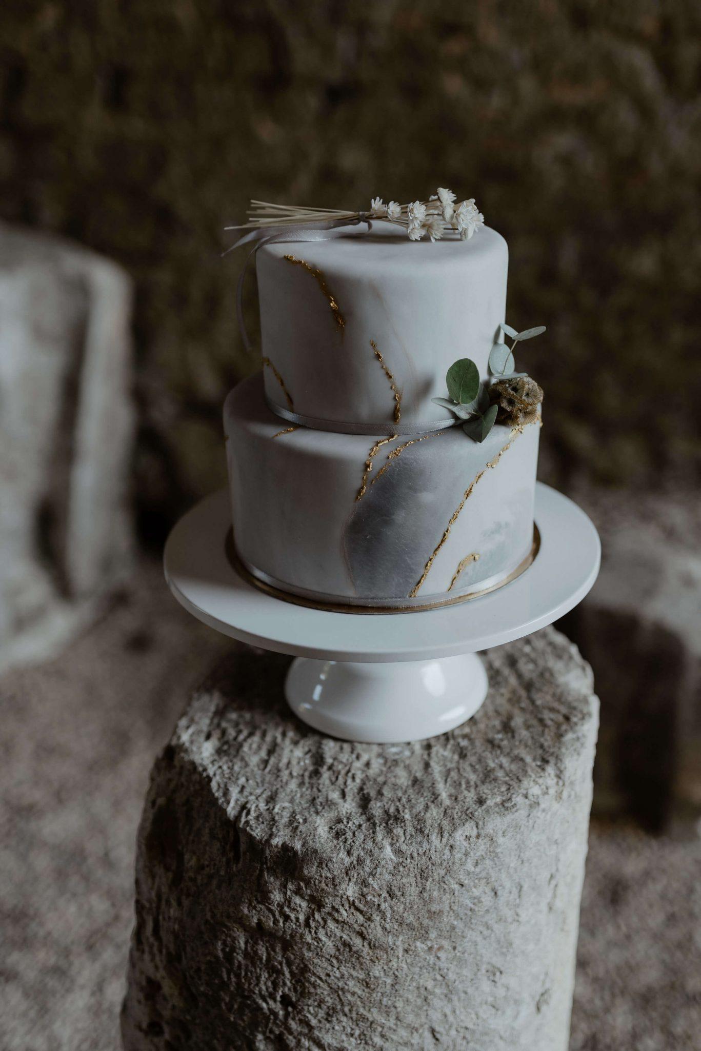 gateau_wedding_cake_simple_chic