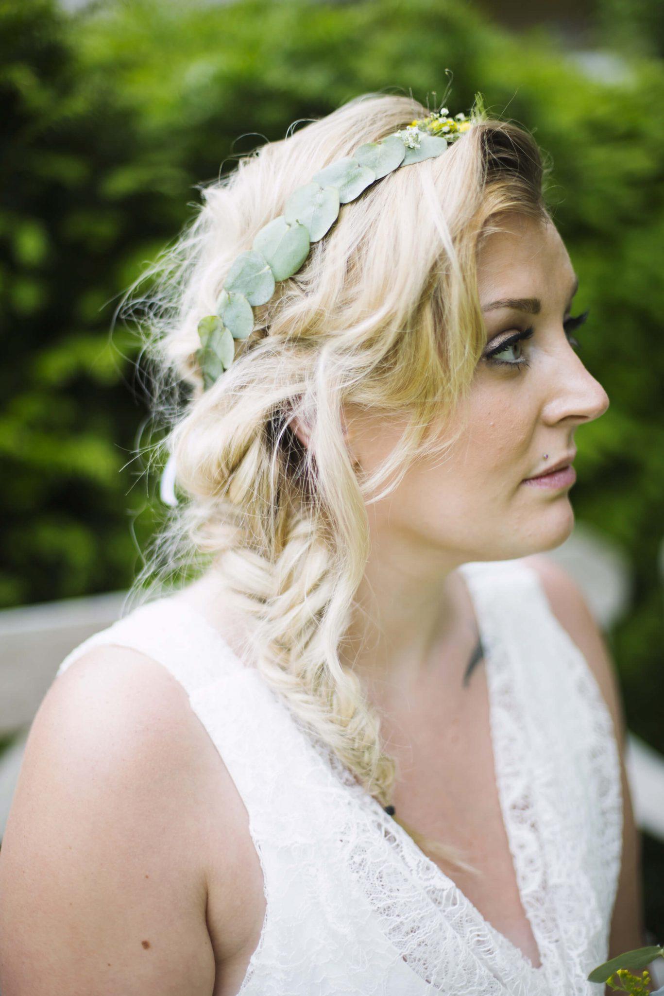 mariage_coiffure_couronne_vegetale_fleurs