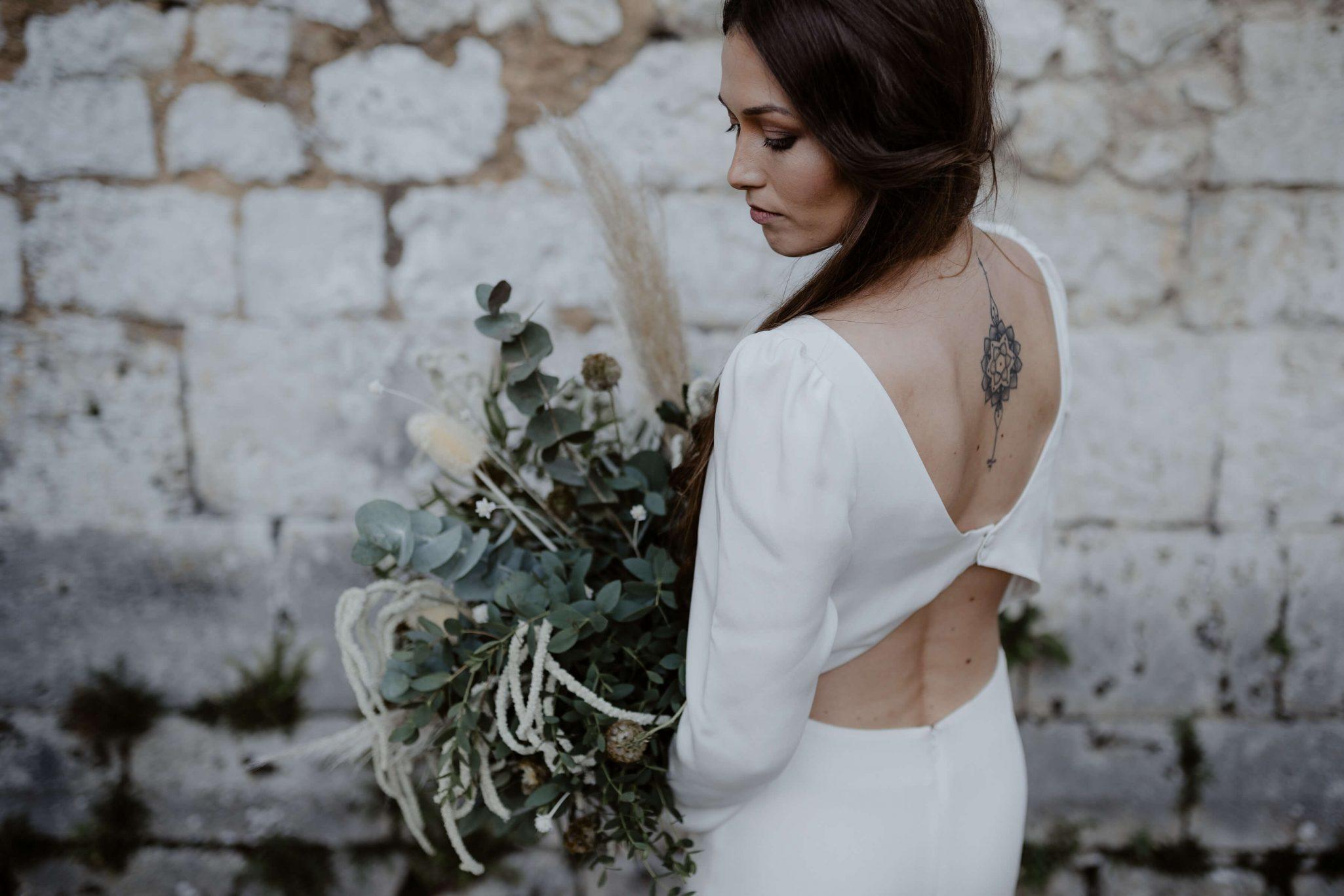mariage_tatouage_bouquet_robe