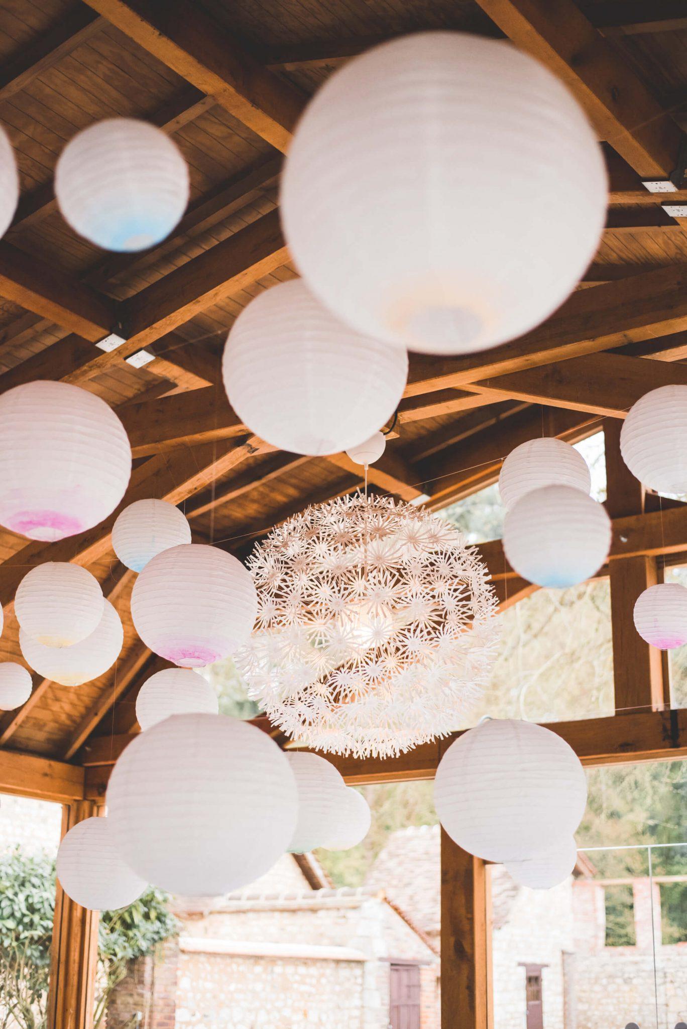 salle_mariage_lanterne_blanc