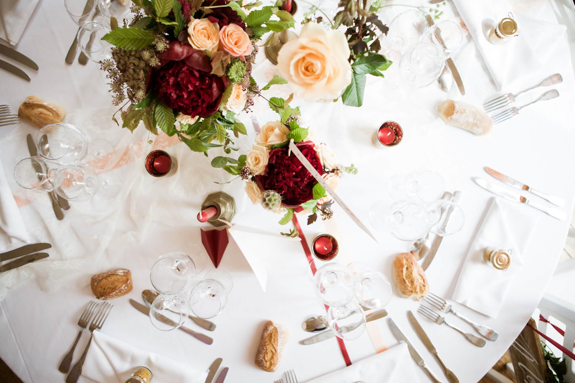 table_mariage_decoration_fleurs_romantique
