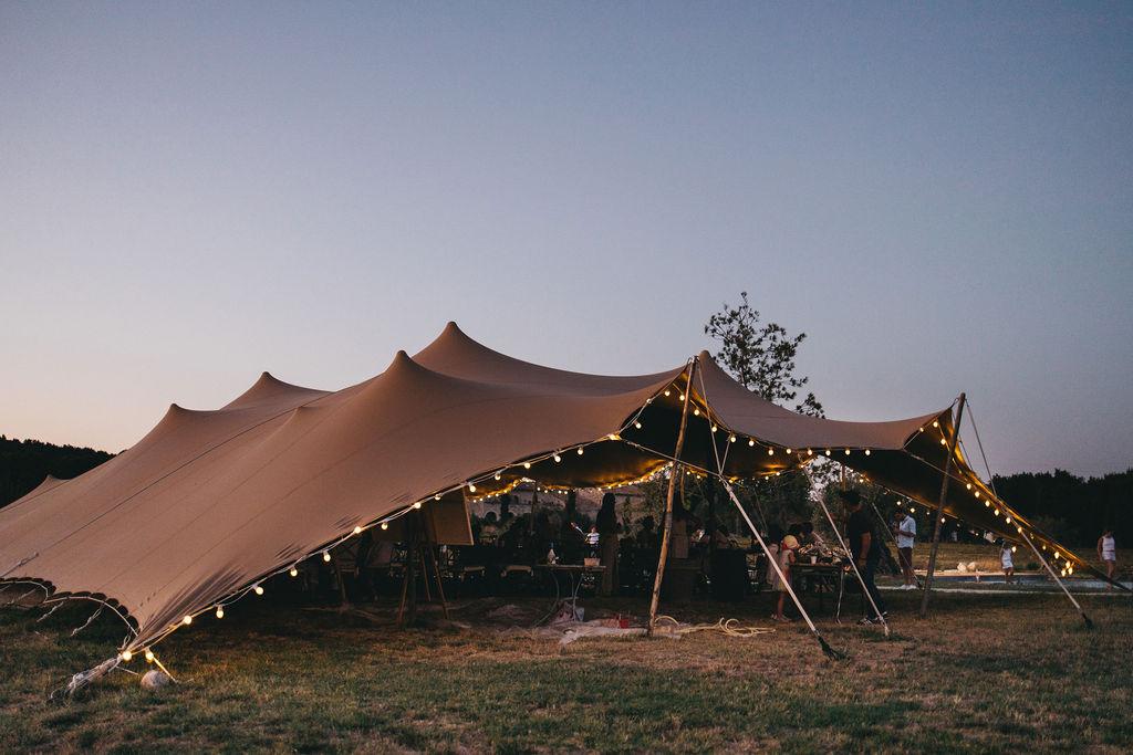 mariage sous tente nomade en location. Empreinte Ephémère wedding planner Provence, paris et normandie
