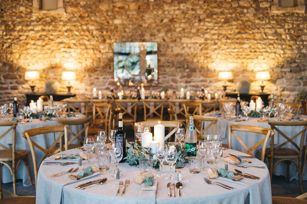 mariage en petit comité au domaine de Patras. Empreinte éphémère wedding planner Provence, paris et normandie