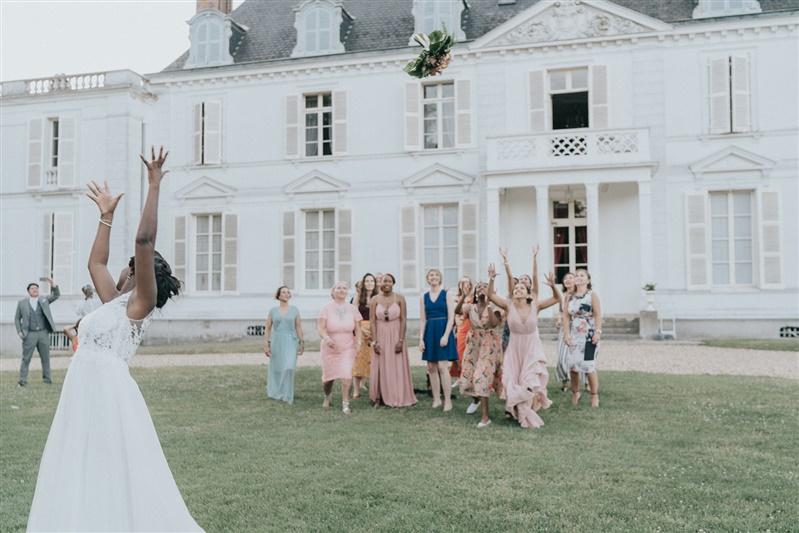 jetée du bouquet de mariée. Empreinte éphémère wedding planner Provence paris normandie