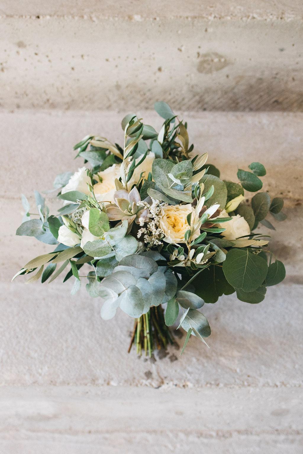 bouquet de mariée et fleurs mariage sur le thème eucalyptus. Empreinte Ephémère wedding planner Provence, paris et normandie