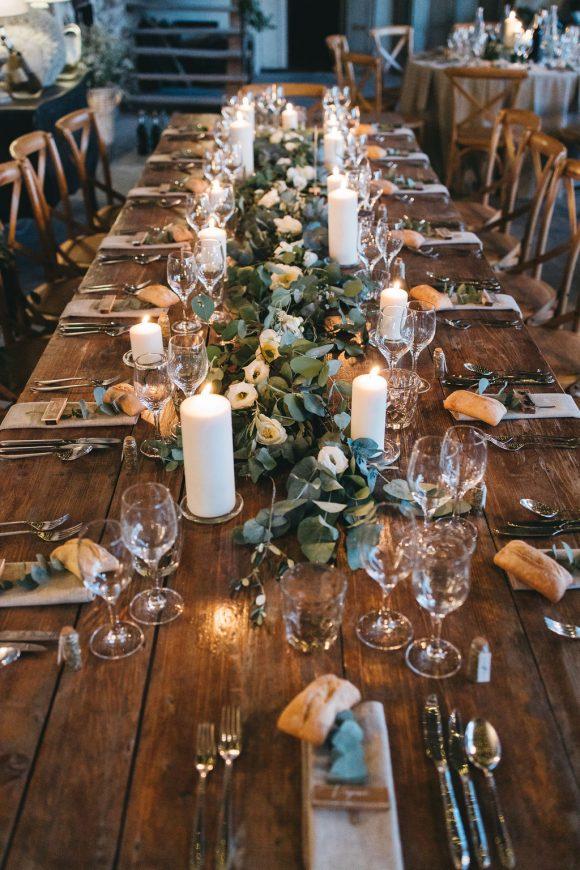 Photo des mariages. Idée décoration de table mariage nature au domaine de Patras. Mariage original et simple créé par Empreinte Ephémère wedding planner Provence, paris et normandie