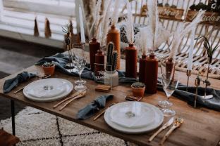 idée de déco de table bohème chic mariage terracotta. Empreinte éphémère wedding planner Provence paris normandie