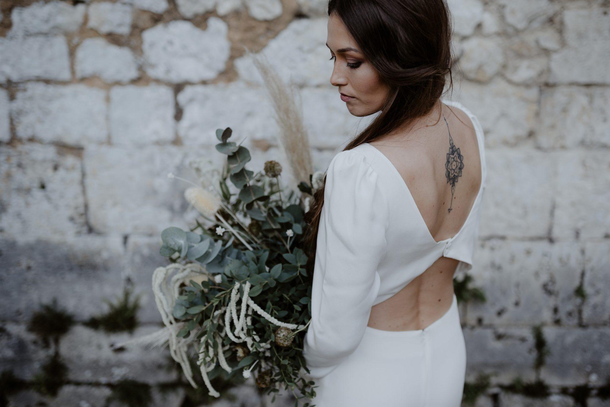 bouquet de mariée végétal et sauvage. Empreinte éphémère wedding planner Provence paris normandie